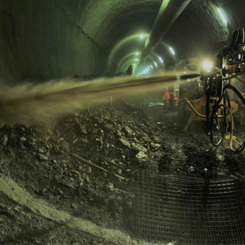 Bild 1: Einsatz von Spritzbeton im Tunnelbau