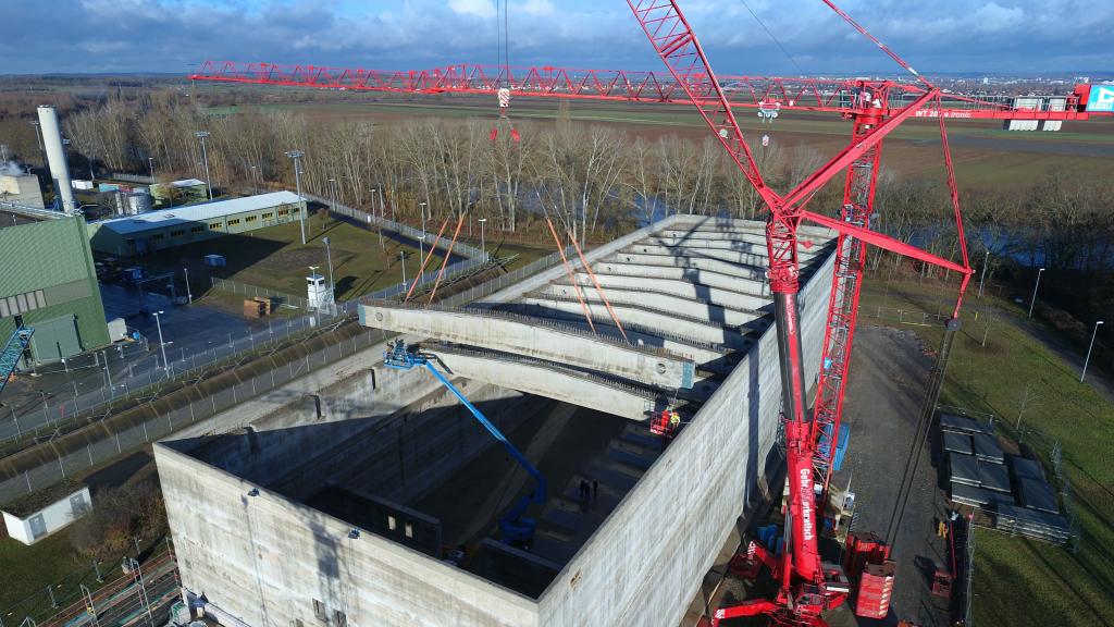 Herstellung einer Bereitstellungshalle im Kernkraftwerk Grafenrheinfeld mit SCHWENK Zement